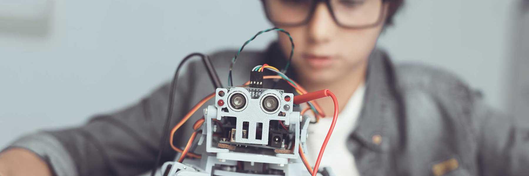 3 voorbeelden van artificial intelligence in het onderwijs
